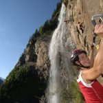 Einhaken am Klettersteig