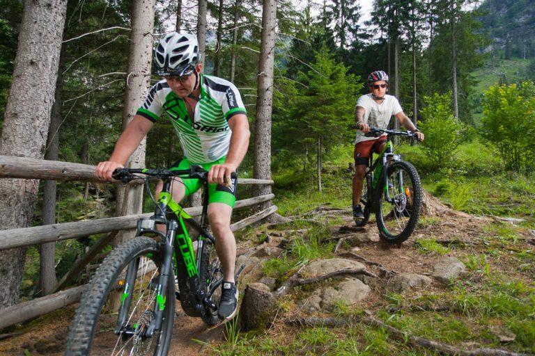 Mountainbiker im freien Gelände